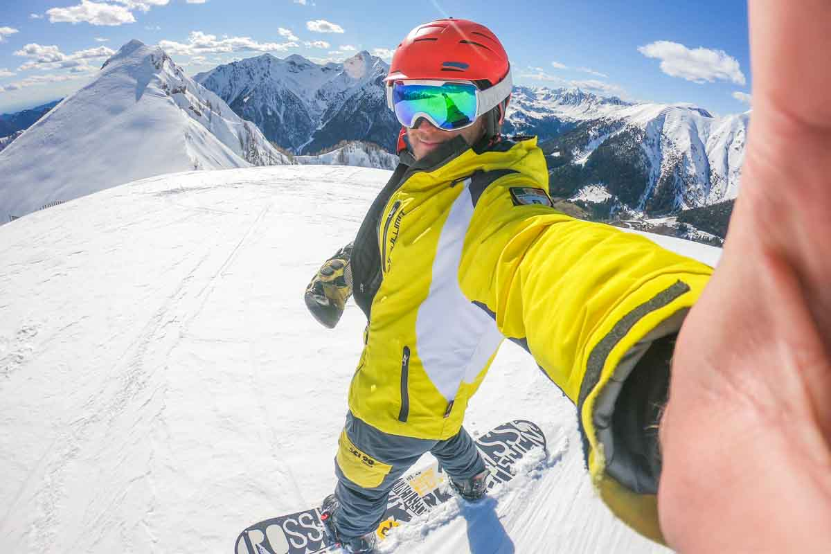 nicola in snowboard